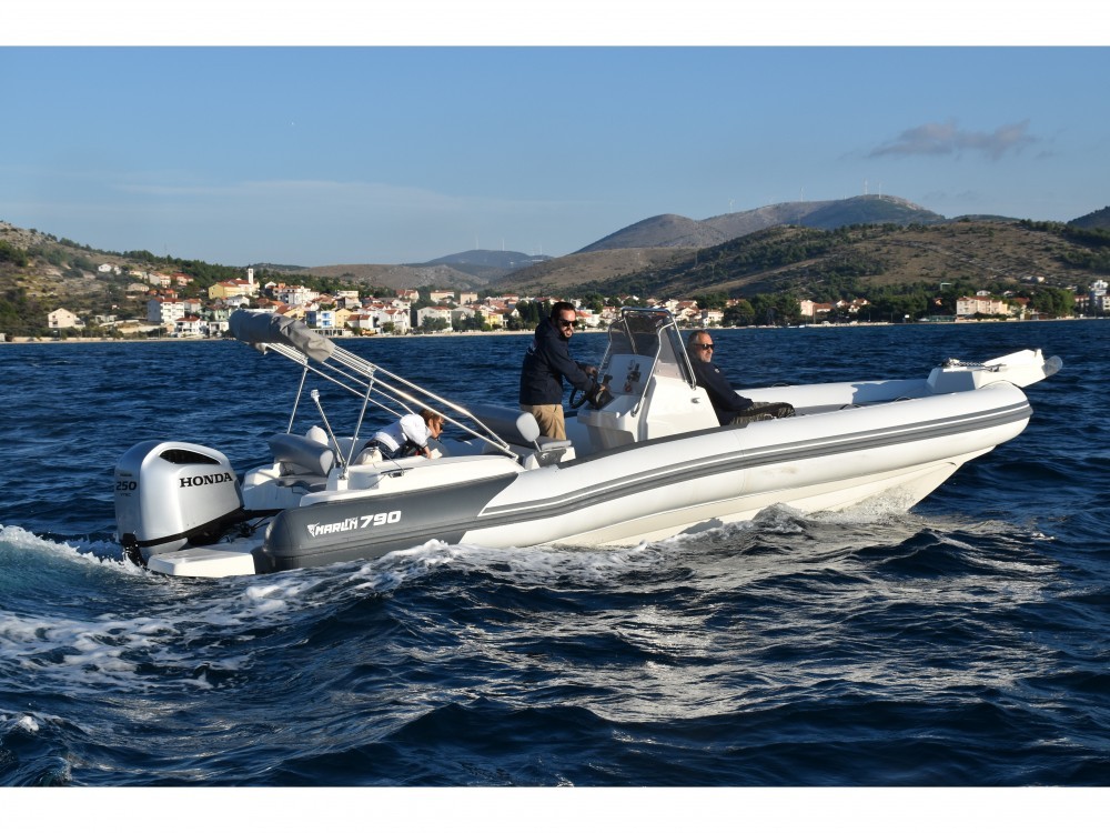 Rental Motorboat in Trogir -  Marlin 790 Dynamic
