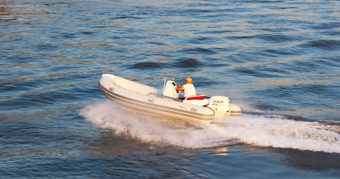 Rental Motorboat in Trogir -  Joymarc 490