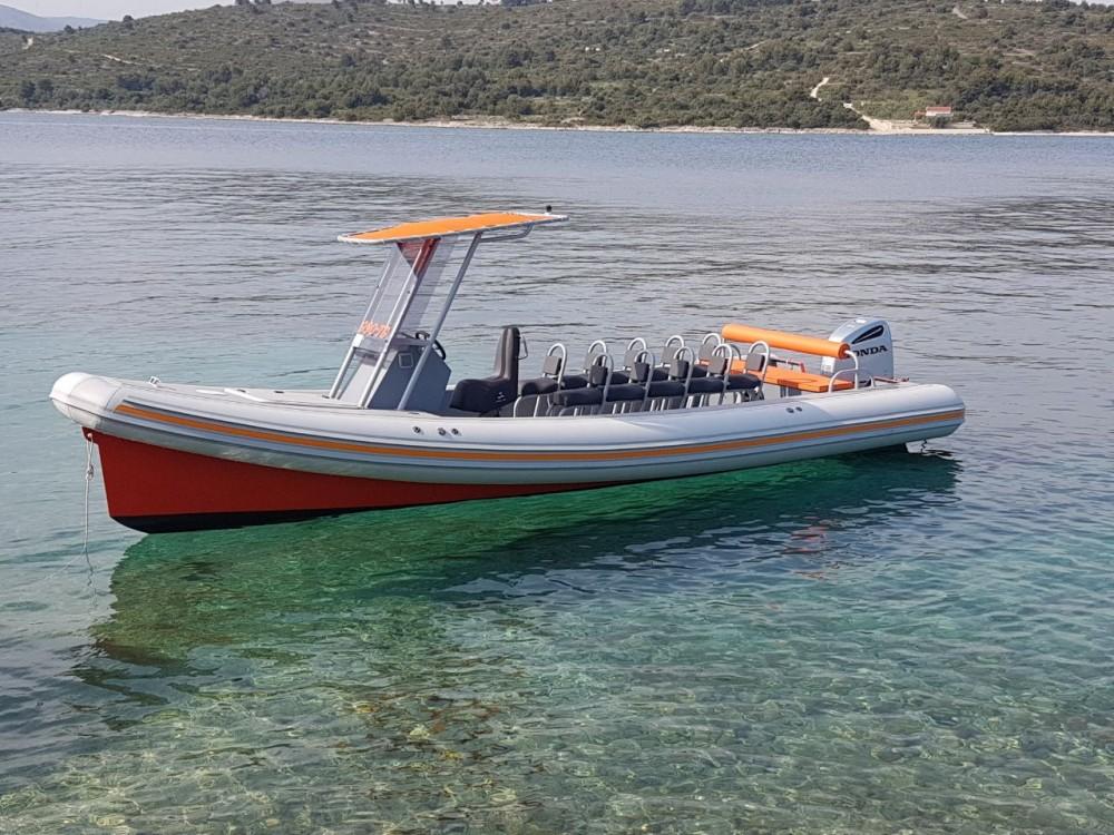 Boat rental  cheap Colnago 27