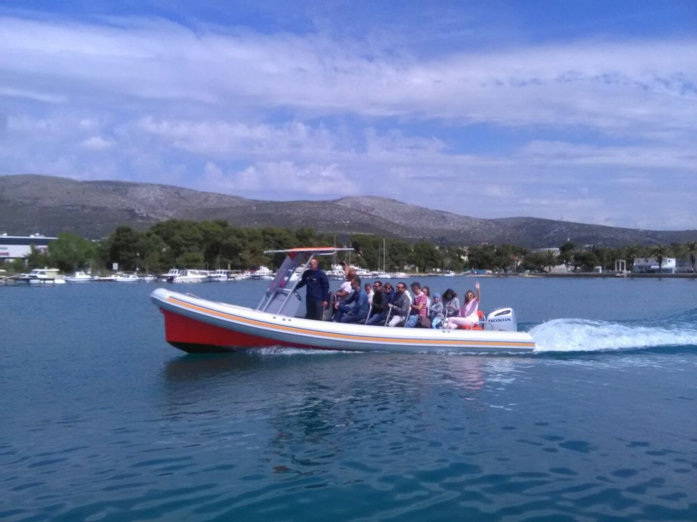 Hire Motorboat with or without skipper