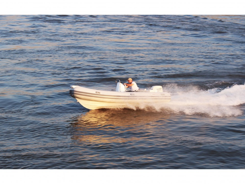 Rental Motorboat  with a permit