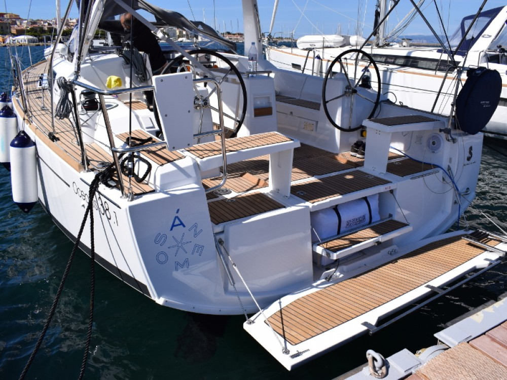 Rental Sailboat in U Pàize/Carloforte - Bénéteau Oceanis 38