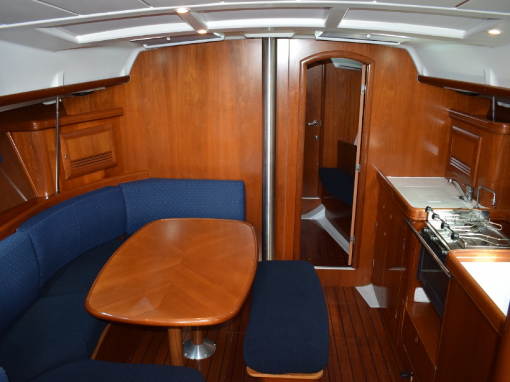 Hire Sailboat with or without skipper Bénéteau U Pàize/Carloforte