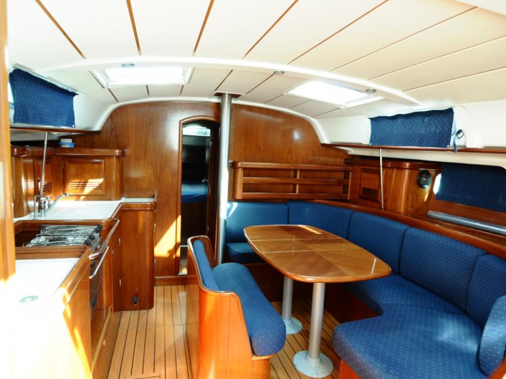 Rental Sailboat in U Pàize/Carloforte - Bénéteau Oceanis 411