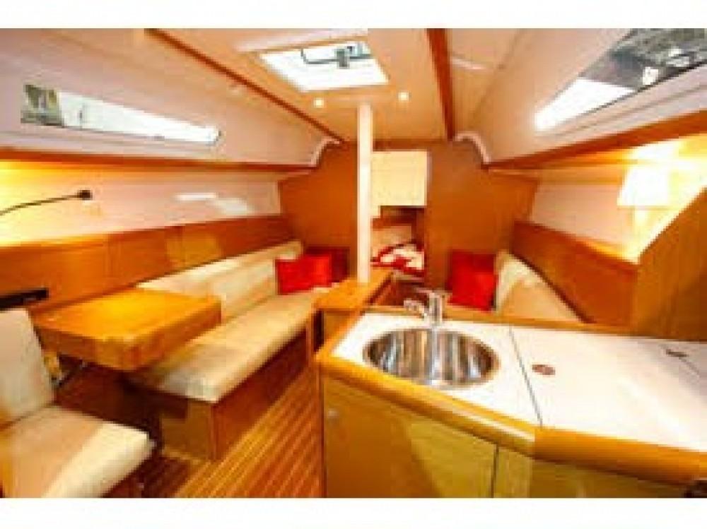 Hire Sailboat with or without skipper Jeanneau U Pàize/Carloforte
