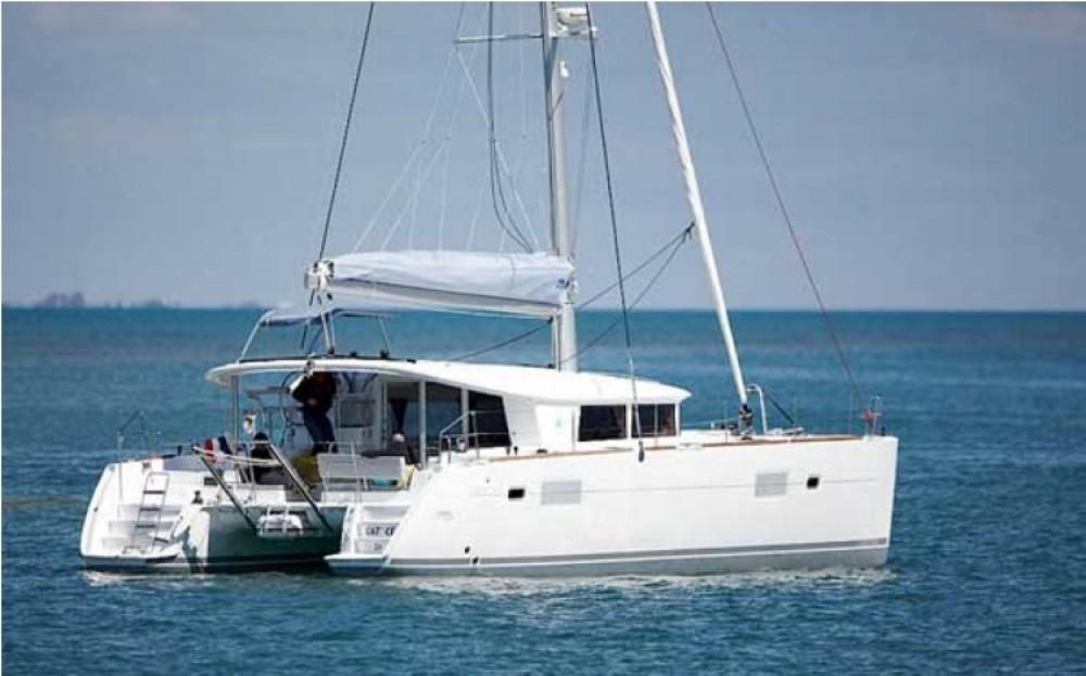 Rental Catamaran in Torroella de Montgrí - Lagoon Lagoon 400