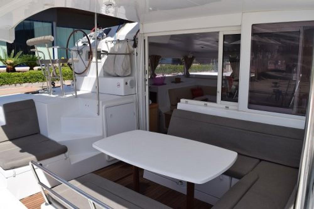 Boat rental Torroella de Montgrí cheap Lagoon 400