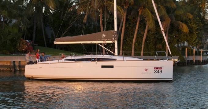 Rental Sailboat in Port de Estartit - Jeanneau Sun Odyssey 349