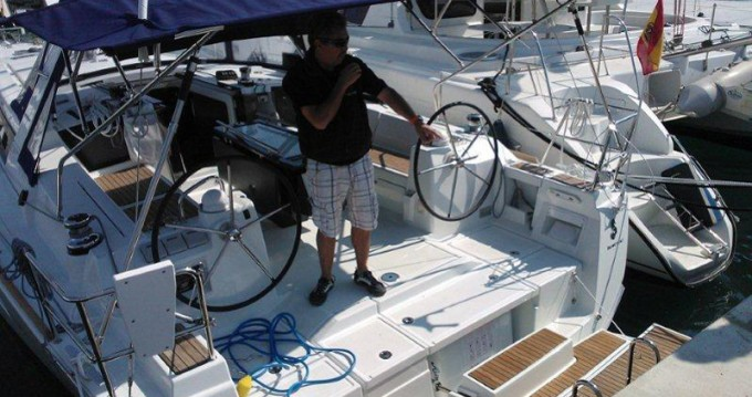 Hire Sailboat with or without skipper Bénéteau Puerto deportivo Marina Rubicon