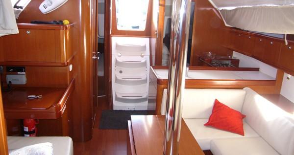 Sailboat for rent Santa Cruz de Tenerife at the best price