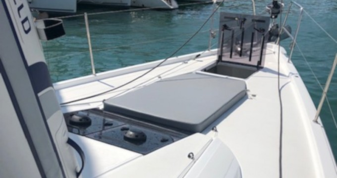 Hire Sailboat with or without skipper Jeanneau Marina del Sur