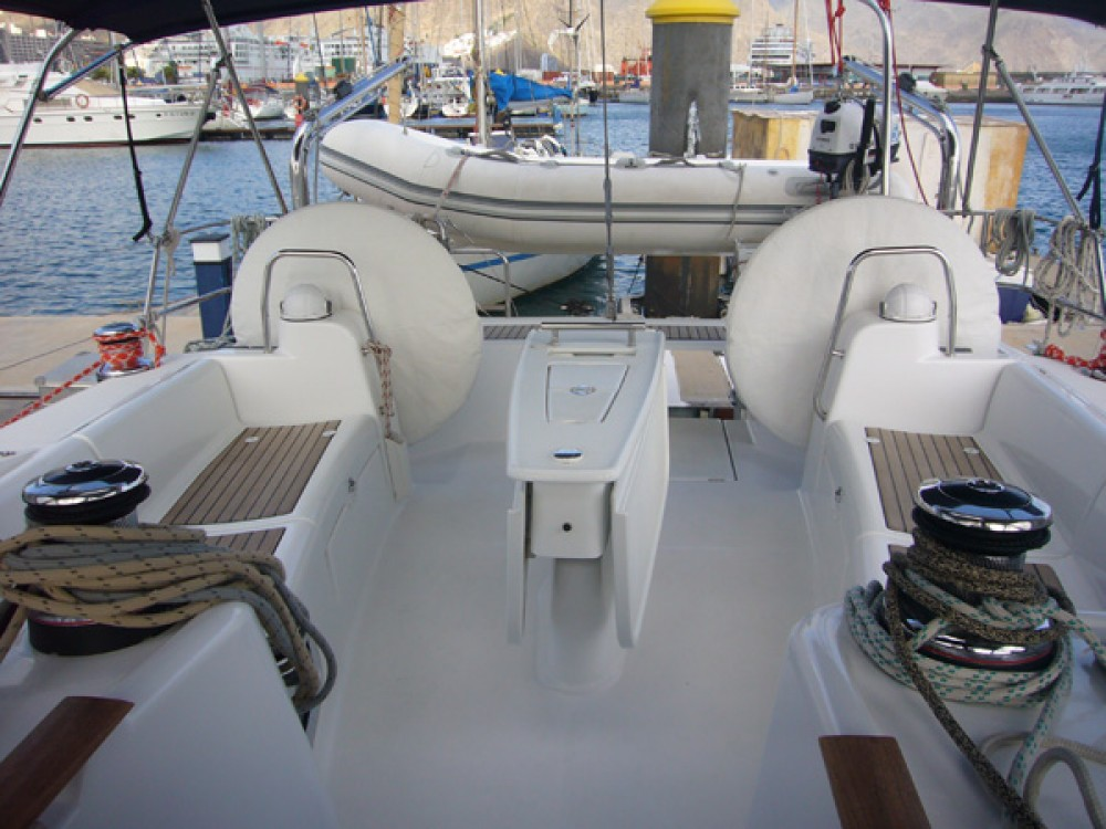 Hire Sailboat with or without skipper Bénéteau Arona