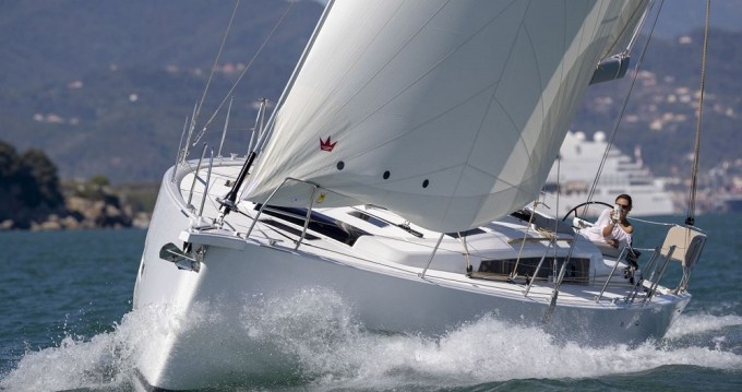 Boat rental Dufour Dufour 430 Grand Large in Athens on Samboat