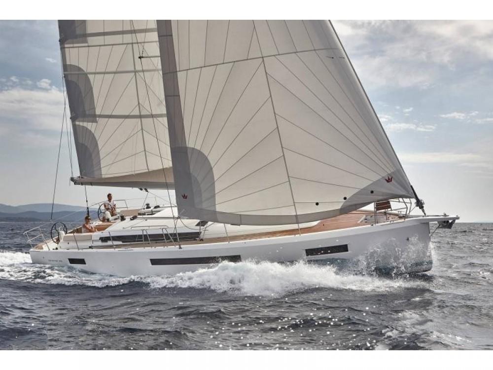 Rental Sailboat in  - Jeanneau Sun Odyssey 490 (4 cab/4 wc)