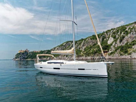 Boat rental Dufour Dufour 412 Grand Large in Lefkada (Island) on Samboat