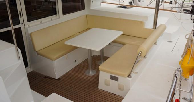 Boat rental Lagoon Lagoon 400 S2 in Lefkada (Island) on Samboat