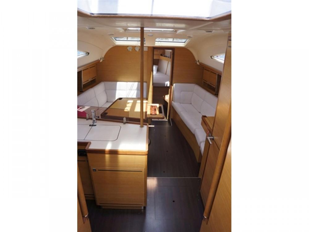 Boat rental Elan Elan 394 impression in Alimos Marina on Samboat