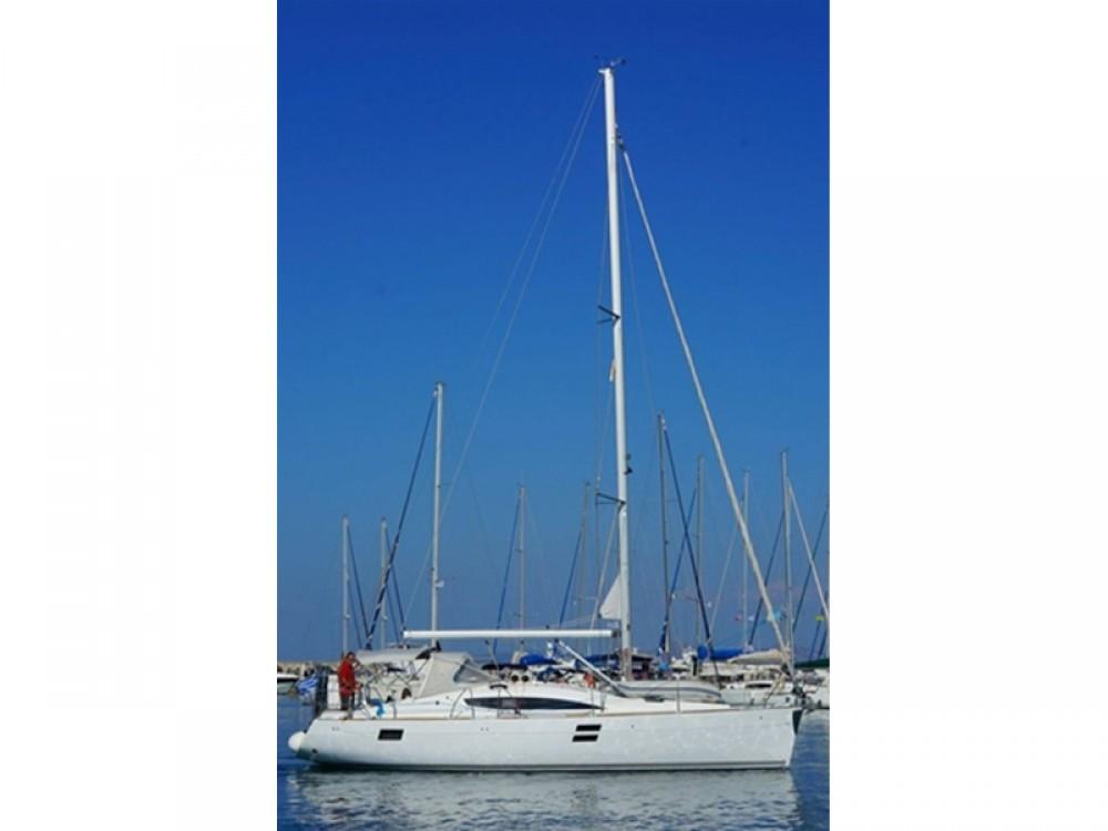Boat rental Elan Elan 394 impression in Álimos on Samboat