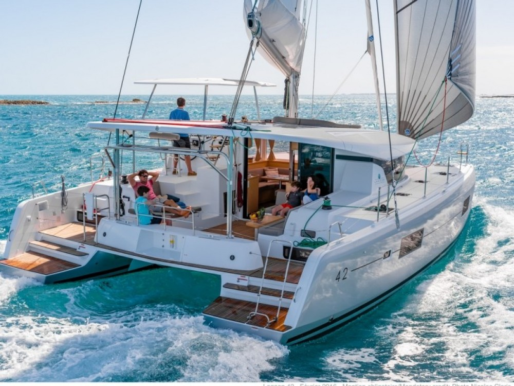 Hire Catamaran with or without skipper Lagoon Le Gosier