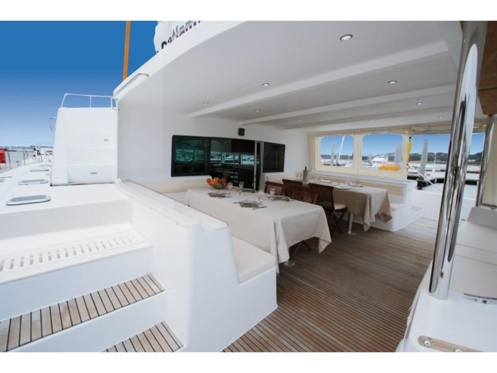 Rental yacht Victoria - Catlante Catlante 600 - incl. crew & full board on SamBoat