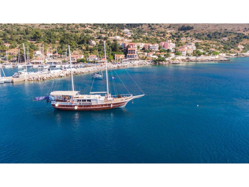 Boat rental  Gulet Aphrodite in Alimos Marina on Samboat