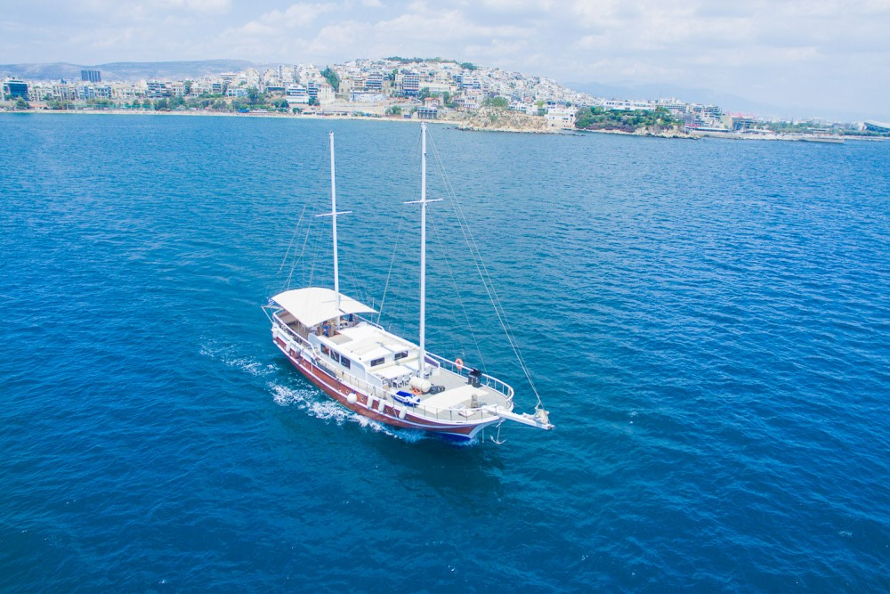 Hire Sailboat with or without skipper  Alimos Marina