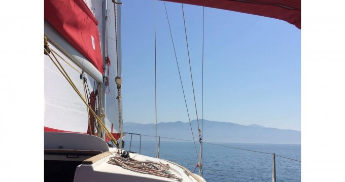 Rental Sailboat in Lefkada (Island) - Jeanneau Sun Odyssey 32