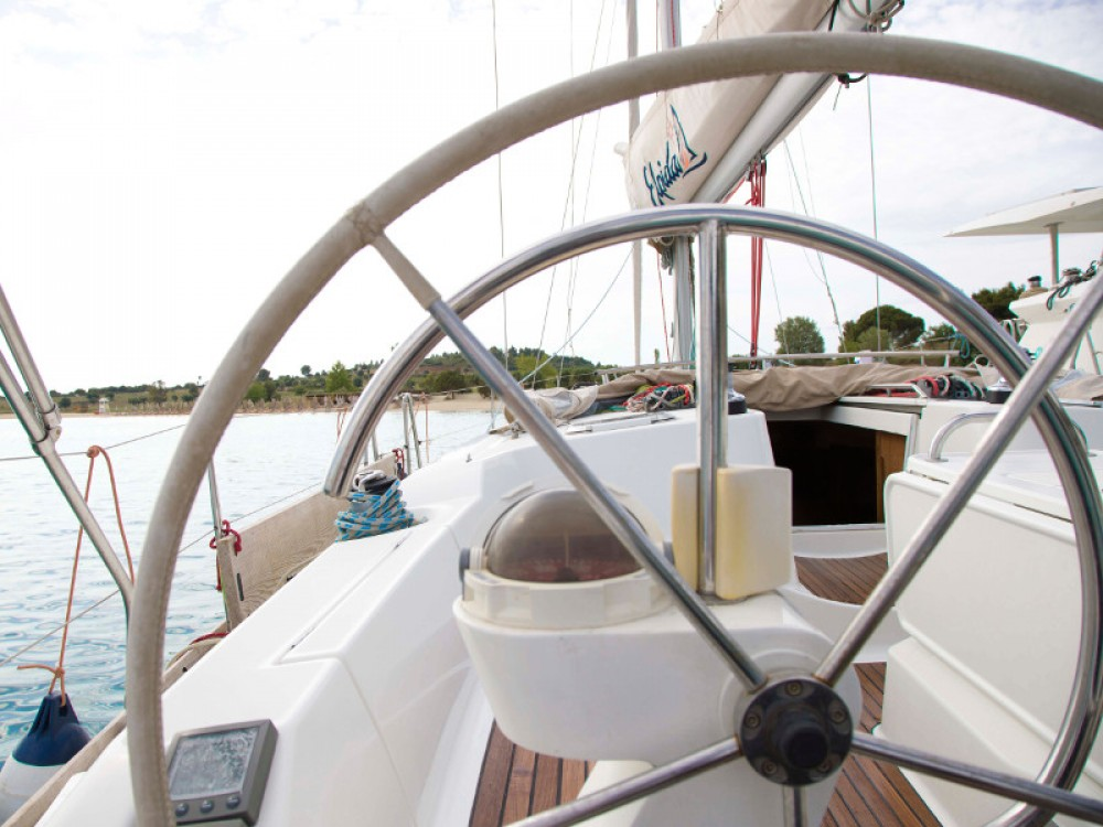 Hire Sailboat with or without skipper Jeanneau Nikiti
