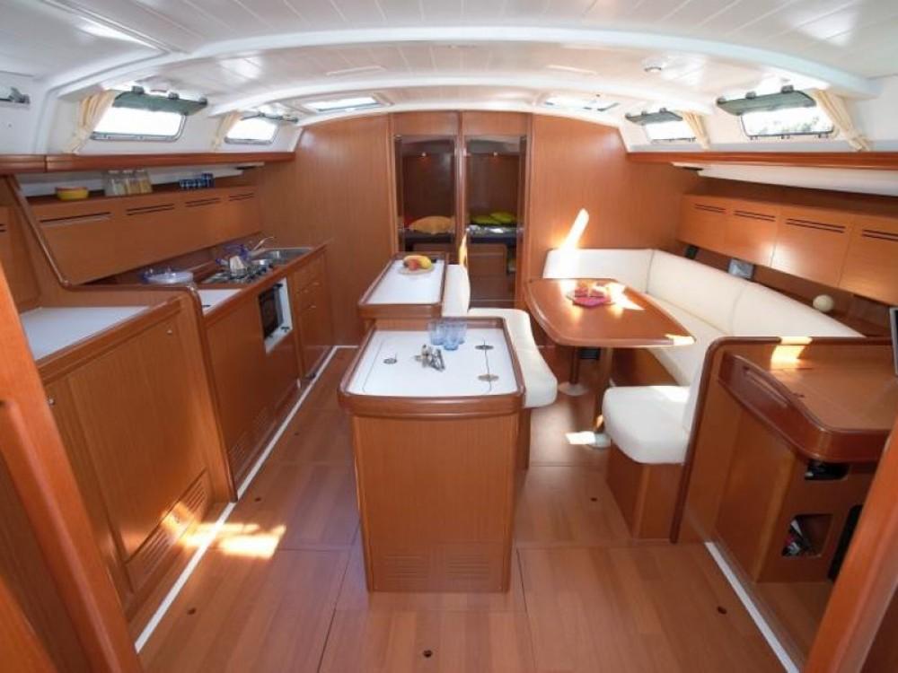 Rental yacht Nikiti - Bénéteau Cyclades 50.5 on SamBoat