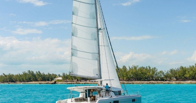 Hire Catamaran with or without skipper Lagoon Níkiti