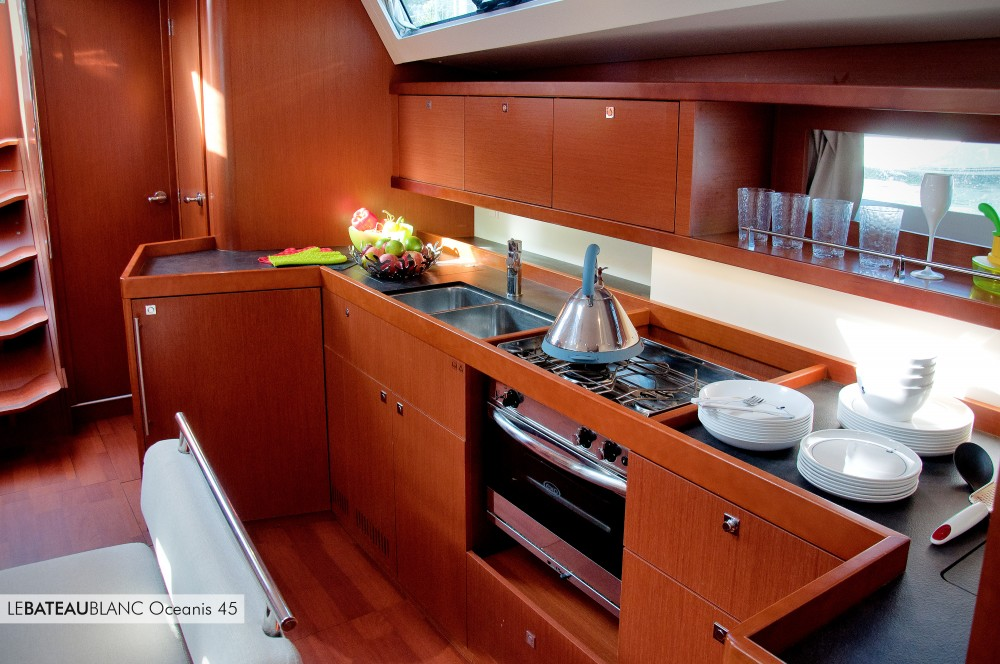 Sailboat for rent La Spezia at the best price