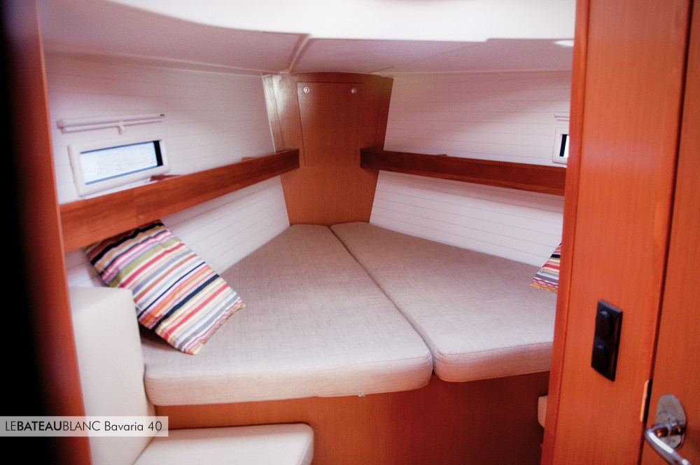 Boat rental Bavaria Bavaria 40 Cruiser in Ameglia on Samboat