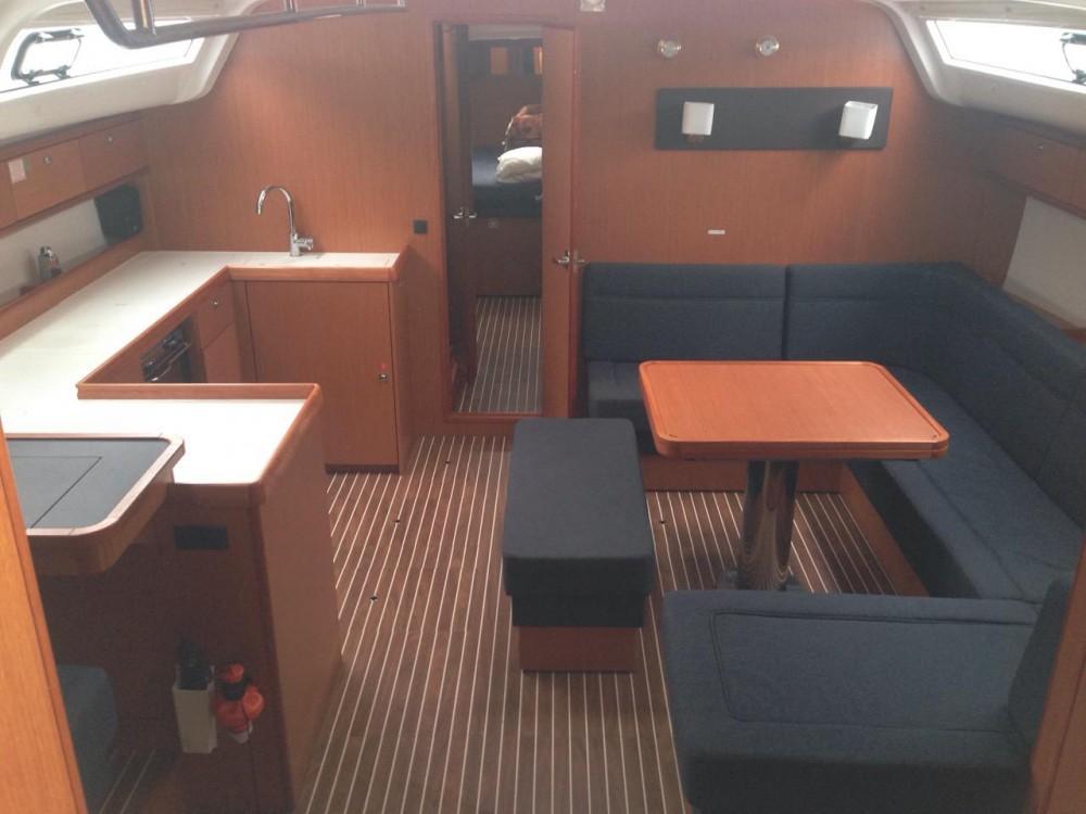 Rent a Bavaria Bavaria Cruiser 51 Álimos