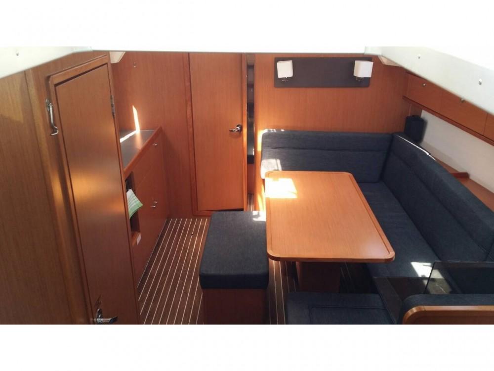 Rental yacht Laurium - Bavaria Bavaria Cruiser 41 on SamBoat