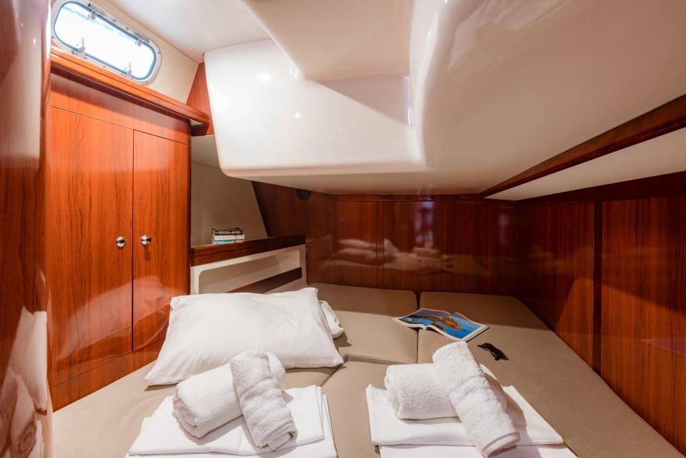 Rental Sailboat in Álimos - Ocean Ocean Star 60.1