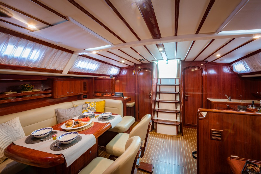 Boat rental Ocean Ocean Star 60.1 in Álimos on Samboat