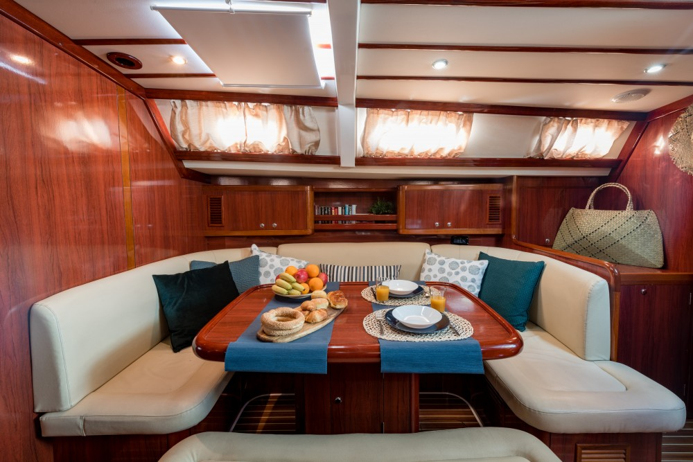 Hire Sailboat with or without skipper Ocean Álimos
