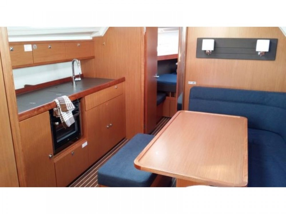 Rent a Bavaria Bavaria Cruiser 41 Alimos Marina