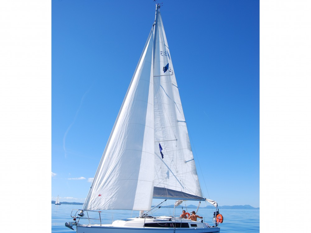 Rent a Bavaria Bavaria Cruiser 33 Marina Gouvia