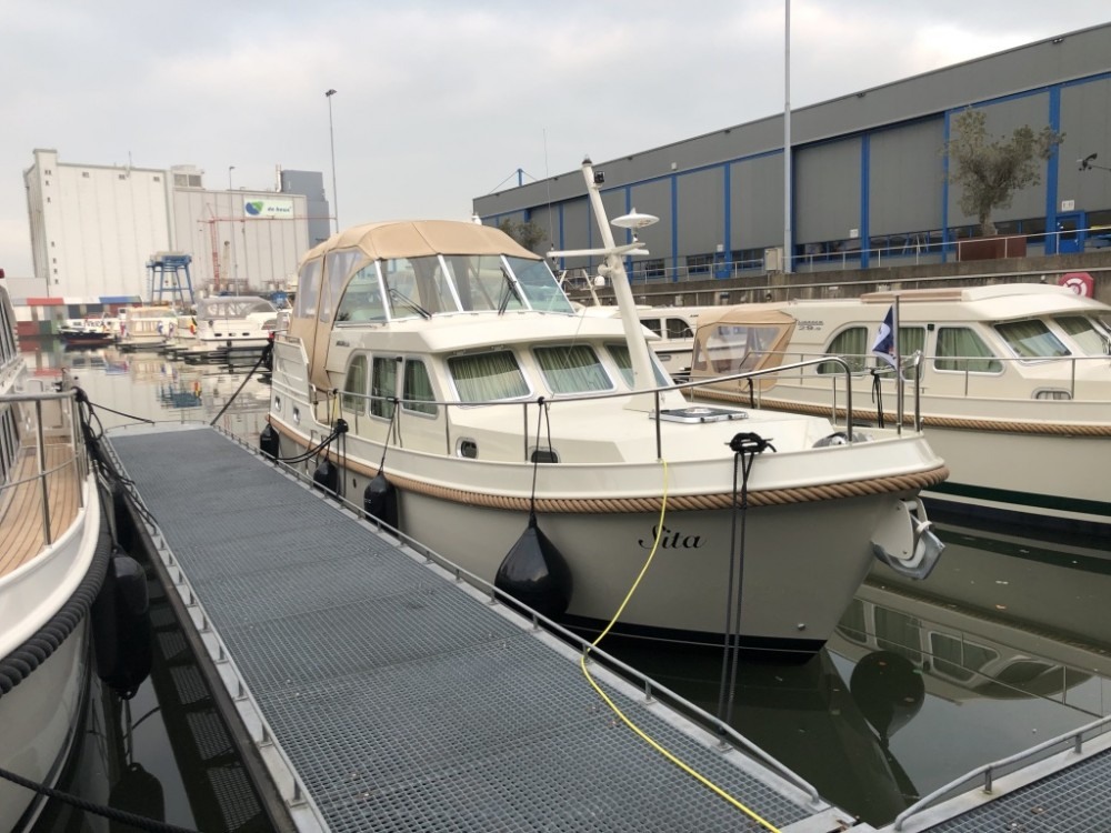 Rental Motorboat Linssen with a permit