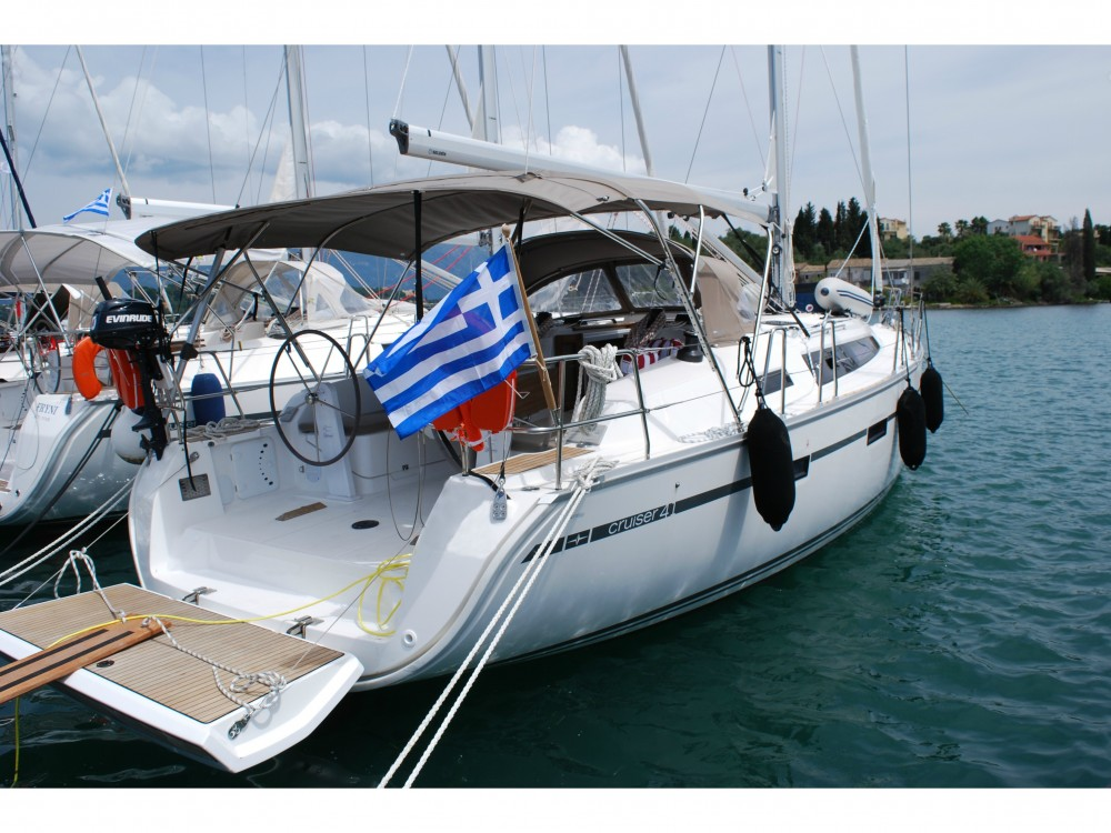 Boat rental Álimos cheap Bavaria Cruiser 41