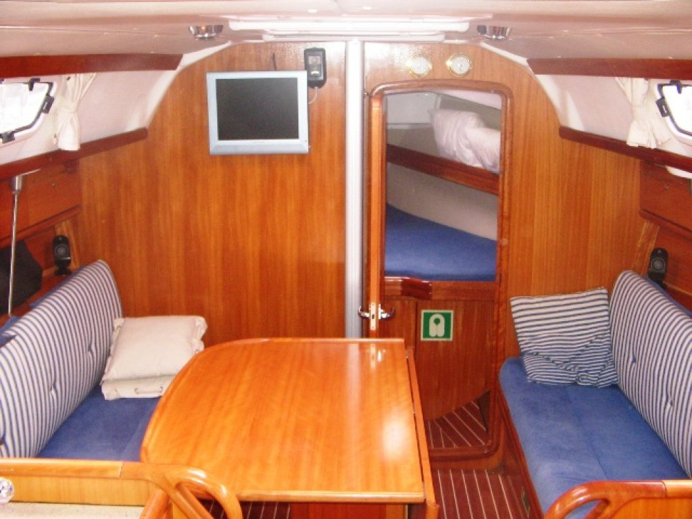 Boat rental Marina Gouvia cheap Bavaria 31 Cruiser