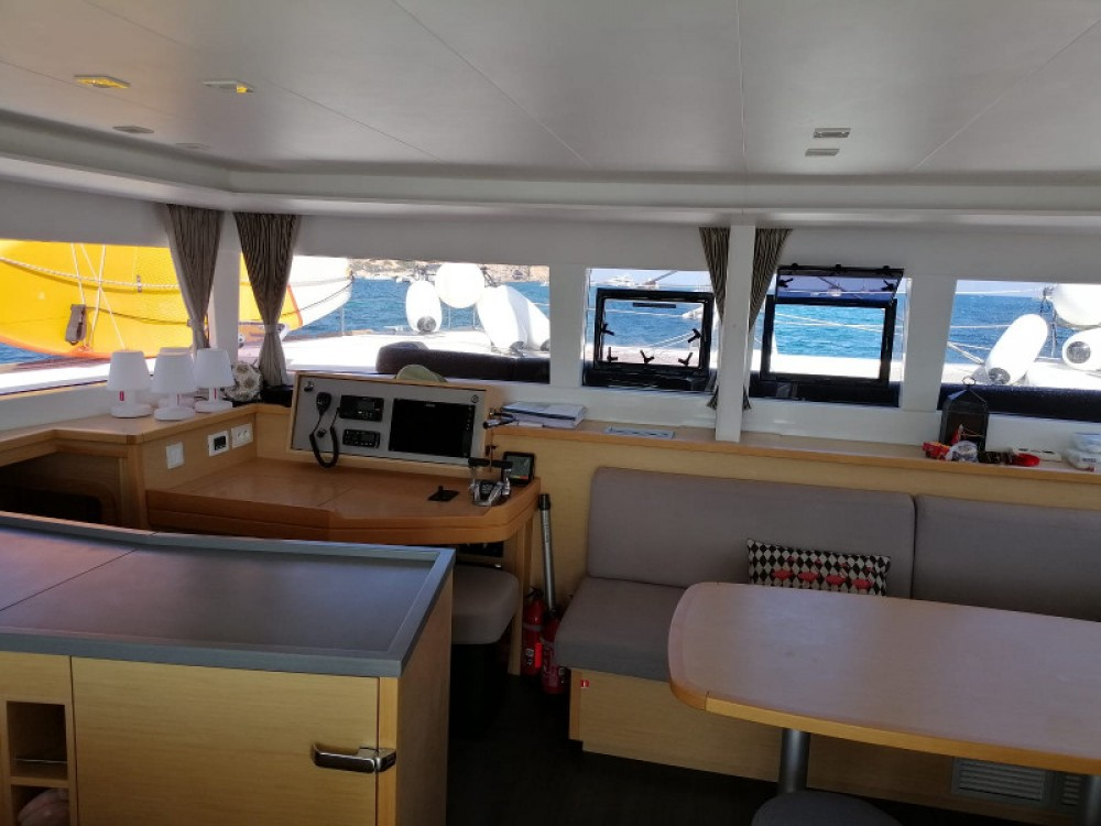 Hire Catamaran with or without skipper Lagoon Gavà