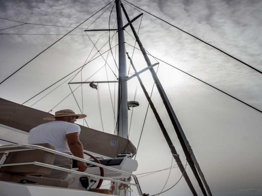 Rental Catamaran in Gavà - Fountaine Pajot Victoria 67