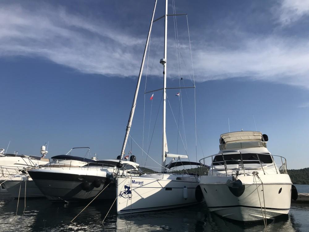 Boat rental Bavaria Bavaria Cruiser 51 in Marina Pirovac on Samboat