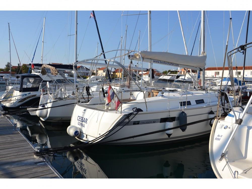 Rent a Bavaria Bavaria Cruiser 32 Marina Pirovac