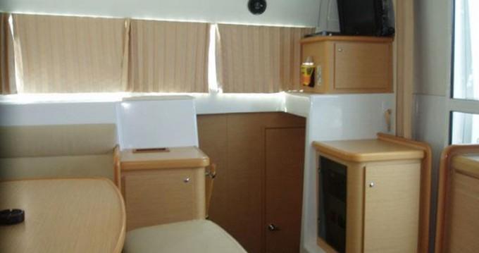 Rental yacht Alimos - Lagoon Lagoon 420 on SamBoat