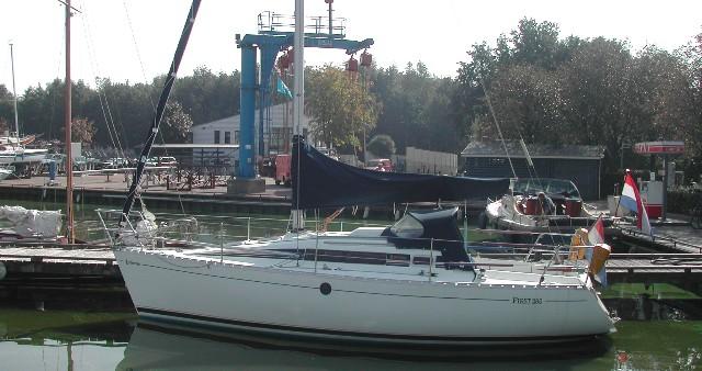 Boat rental Bénéteau Beneteau 285  in Yerseke on Samboat