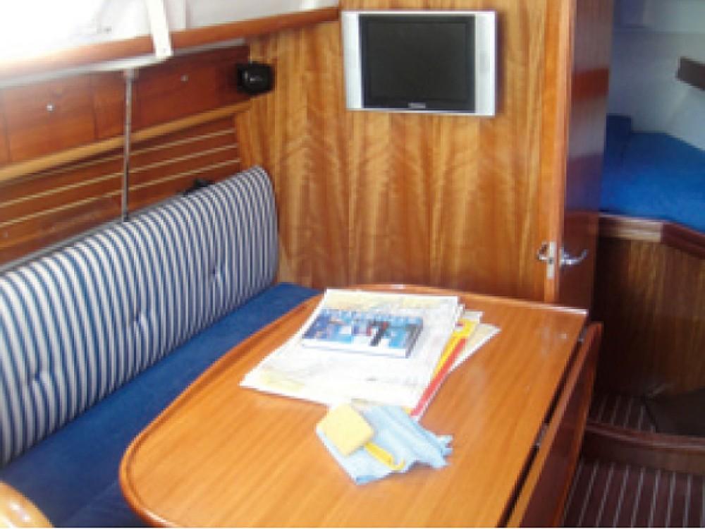 Boat rental Bavaria Bavaria 30 Cruiser in Yerseke on Samboat