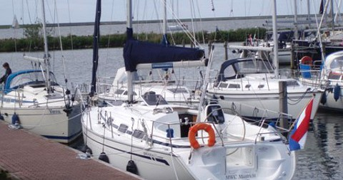 Hire Sailboat with or without skipper Bavaria Yerseke
